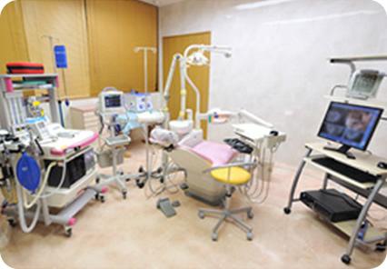 えんどう歯科・矯正歯科クリニックのインプラントの最大のポイント。オペ室。