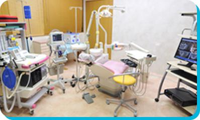 えんどう歯科・矯正歯科クリニックのインプラン治療の流れ。ステップ4。インプラント埋入手術。